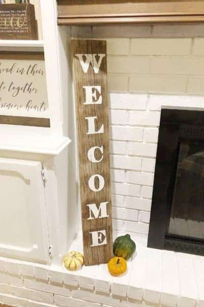 finished diy welcome sign