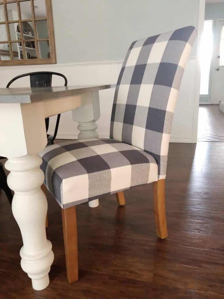 Farmhouse house table painted with chalk paint