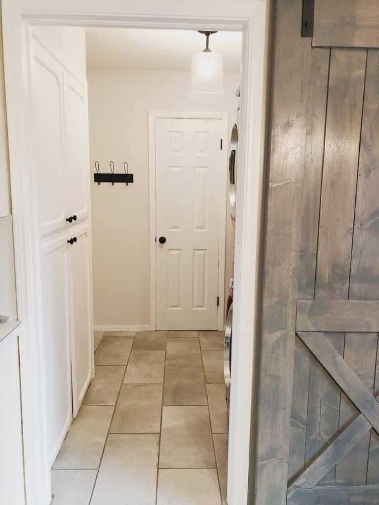 Farmhouse Laundry Room Makeover (for less than $400!) 2