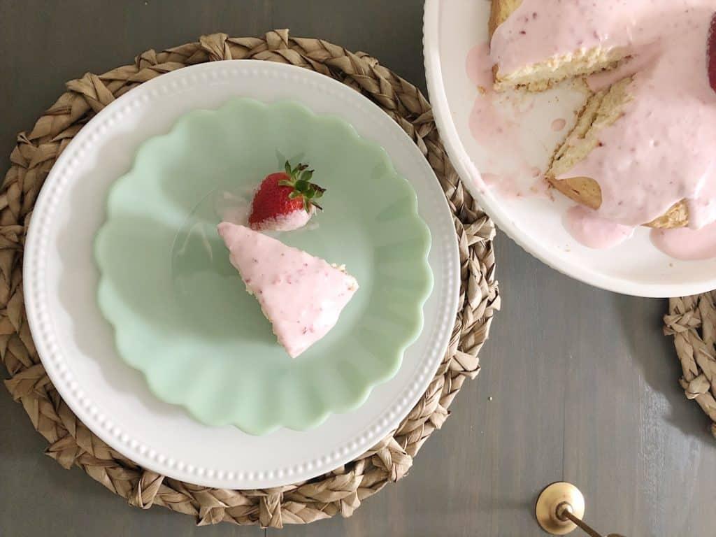 strawberry iced shortcake slice