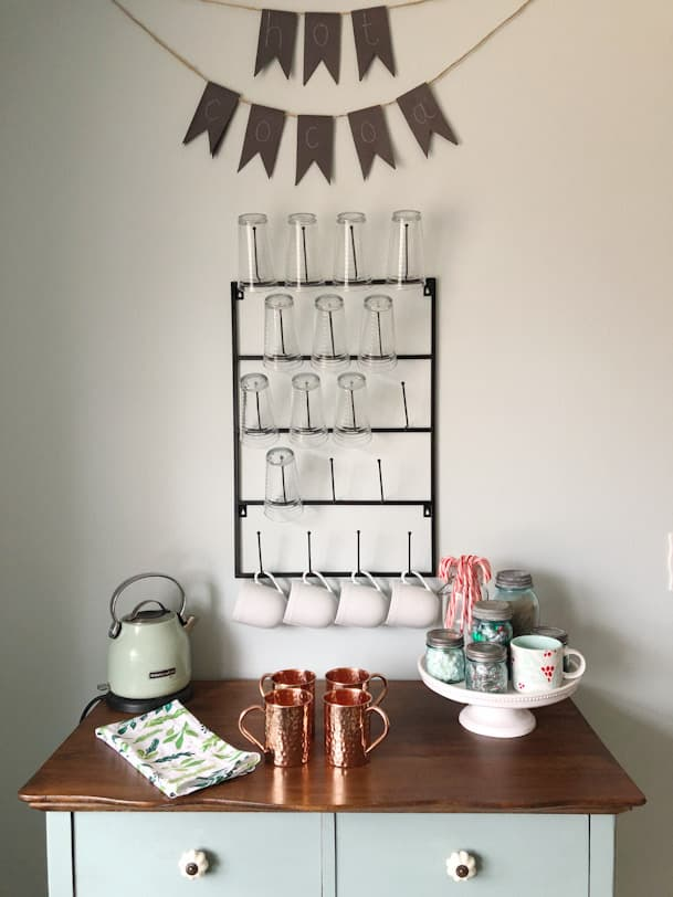 mug rack with hot cocoa sign