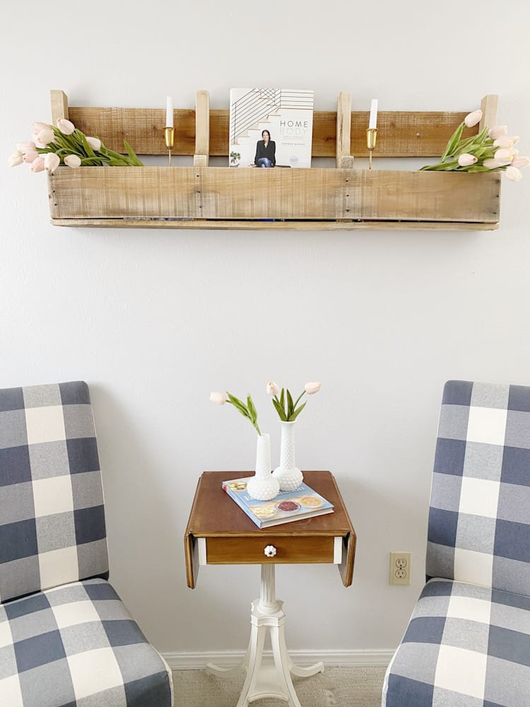 seating area with pallet shelf