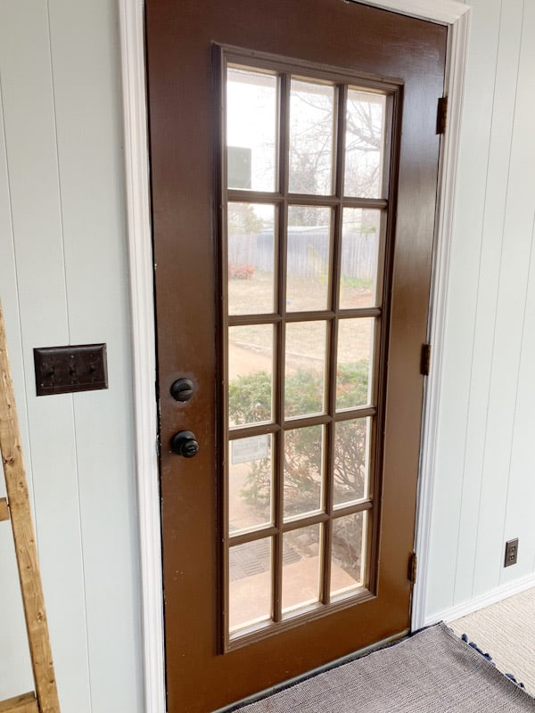Best Way to Paint a Door with Windows 1