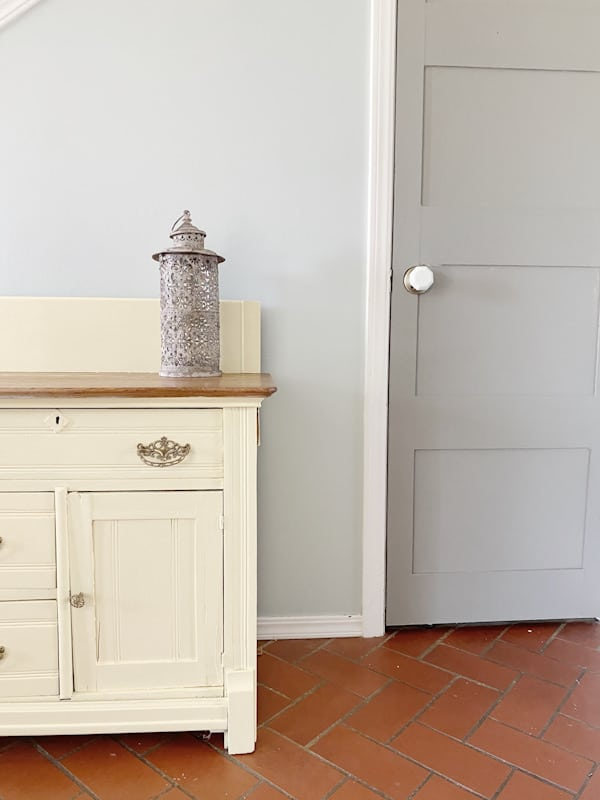 15 Ways to add Vintage Farmhouse Style to any Home 11