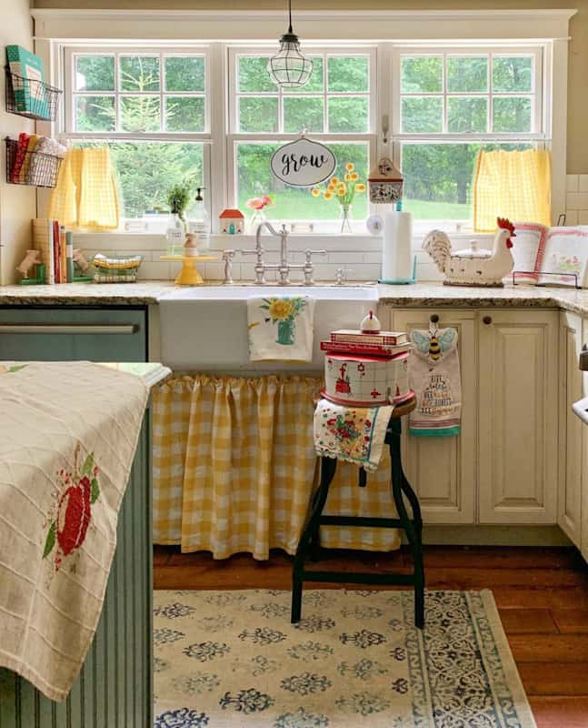 Farmhouse Design Style: What is It and How to Get It 12