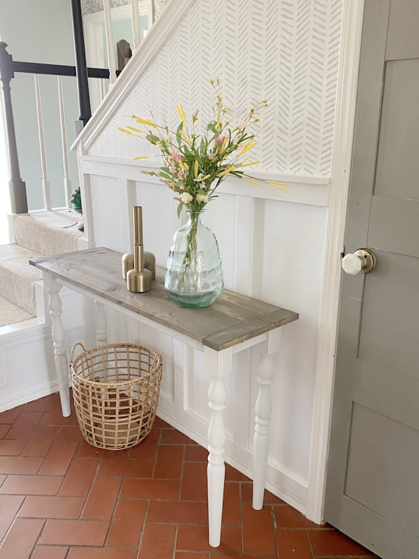 entryway with decorated table