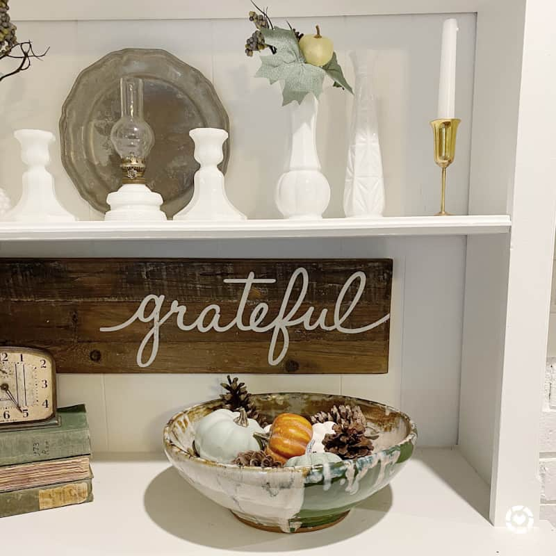 grateful wood sign with bowl