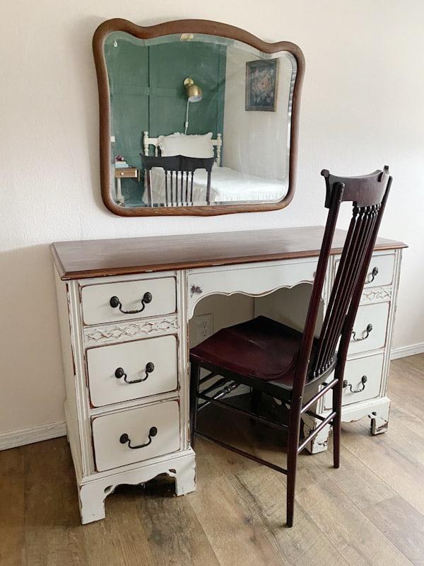 Vintage Farmhouse Tween Girls Room 8
