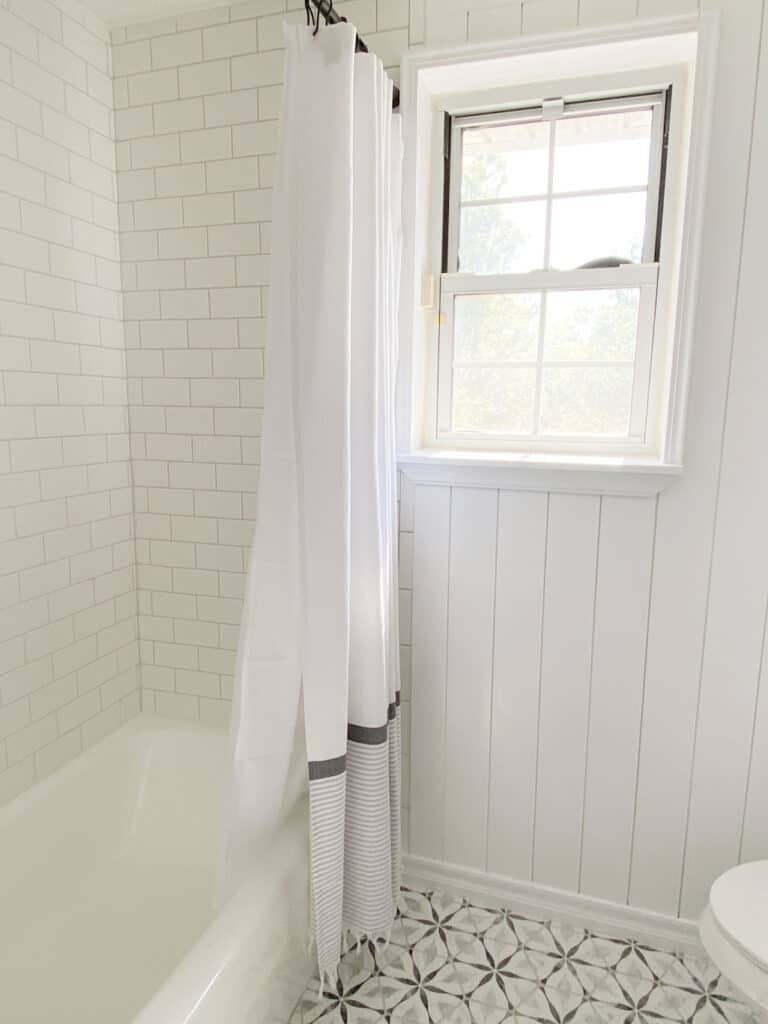 How to Paint Shiplap: 5 Easy Tricks 4